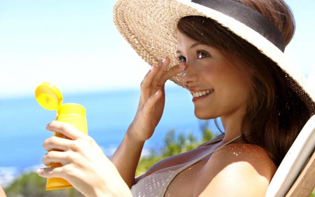 Face skin in summer: is it possible to make beauty injections in the summer season?