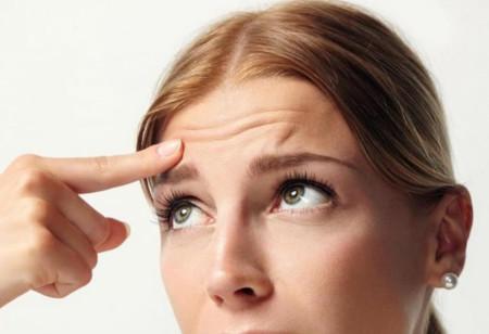 Як позбутися від зморшок на лобі?