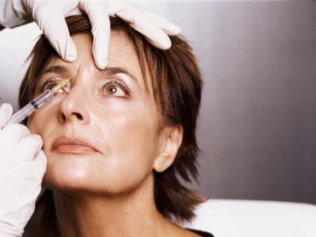 Поширені міфи про 'уколи краси' в лоб