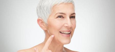 Як прибрати зморшки біля вух?