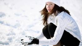 Why is winter the best time for peeling and skin resurfacing?