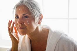 Aging of the neck: how to prevent sagging skin on the neck at different ages
